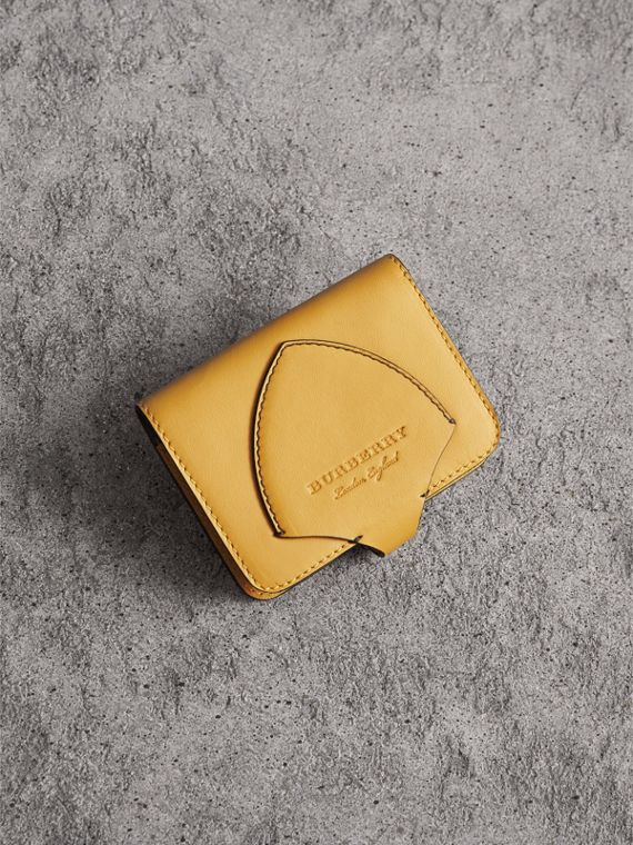 Equestrian Shield Leather Card Case in Larch Yellow