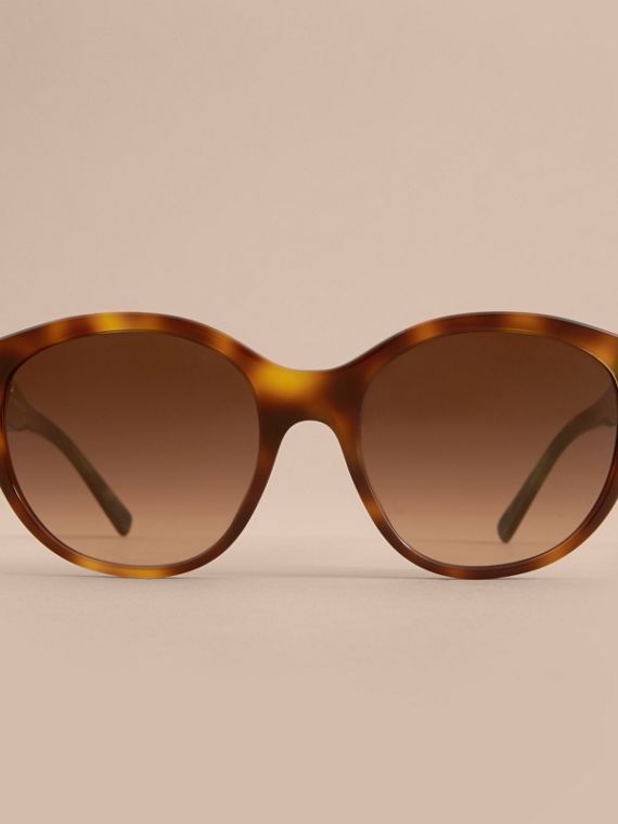 Buckle Detail Round Frame Sunglasses in Tortoise Green - Women | Burberry - cell image 2