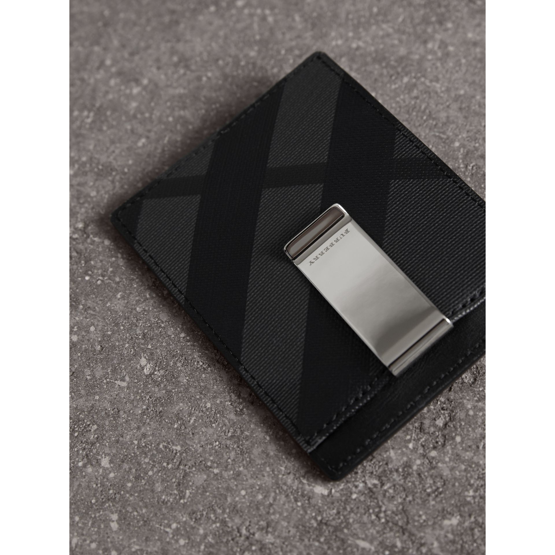 London Check Money Clip Card Case in Charcoal/black - Men | Burberry - gallery image 2