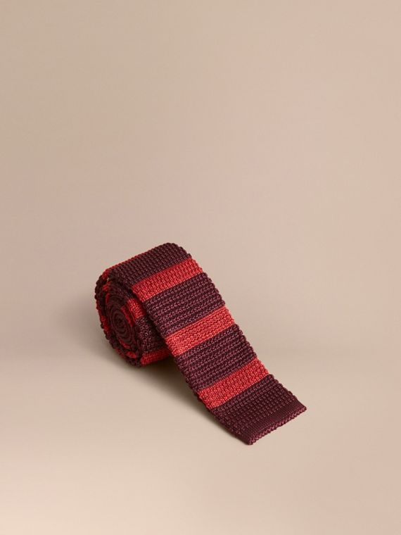 Slim Cut Two-tone Knitted Silk Tie in Burgundy