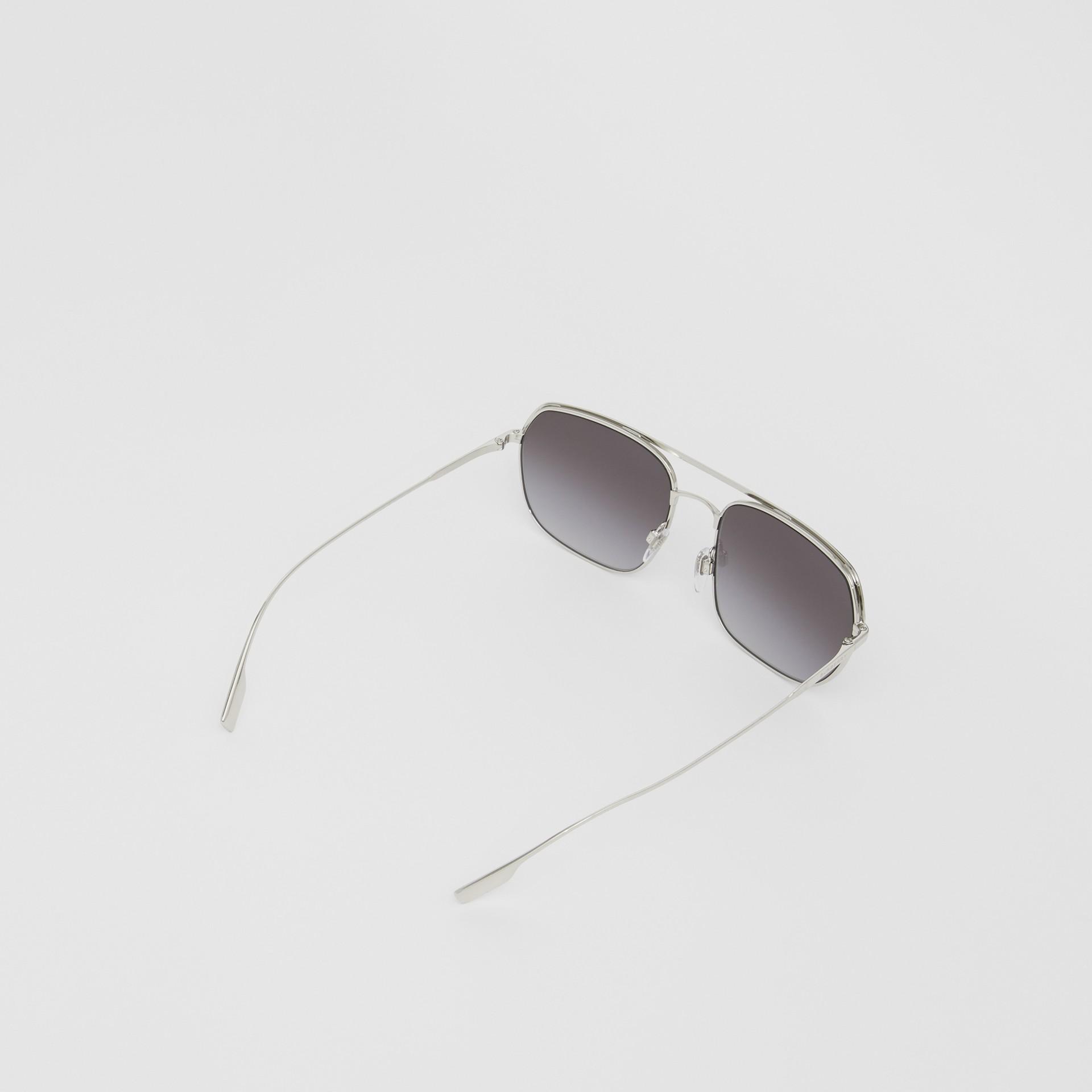 Square Pilot Sunglasses in Black - Men | Burberry - gallery image 3