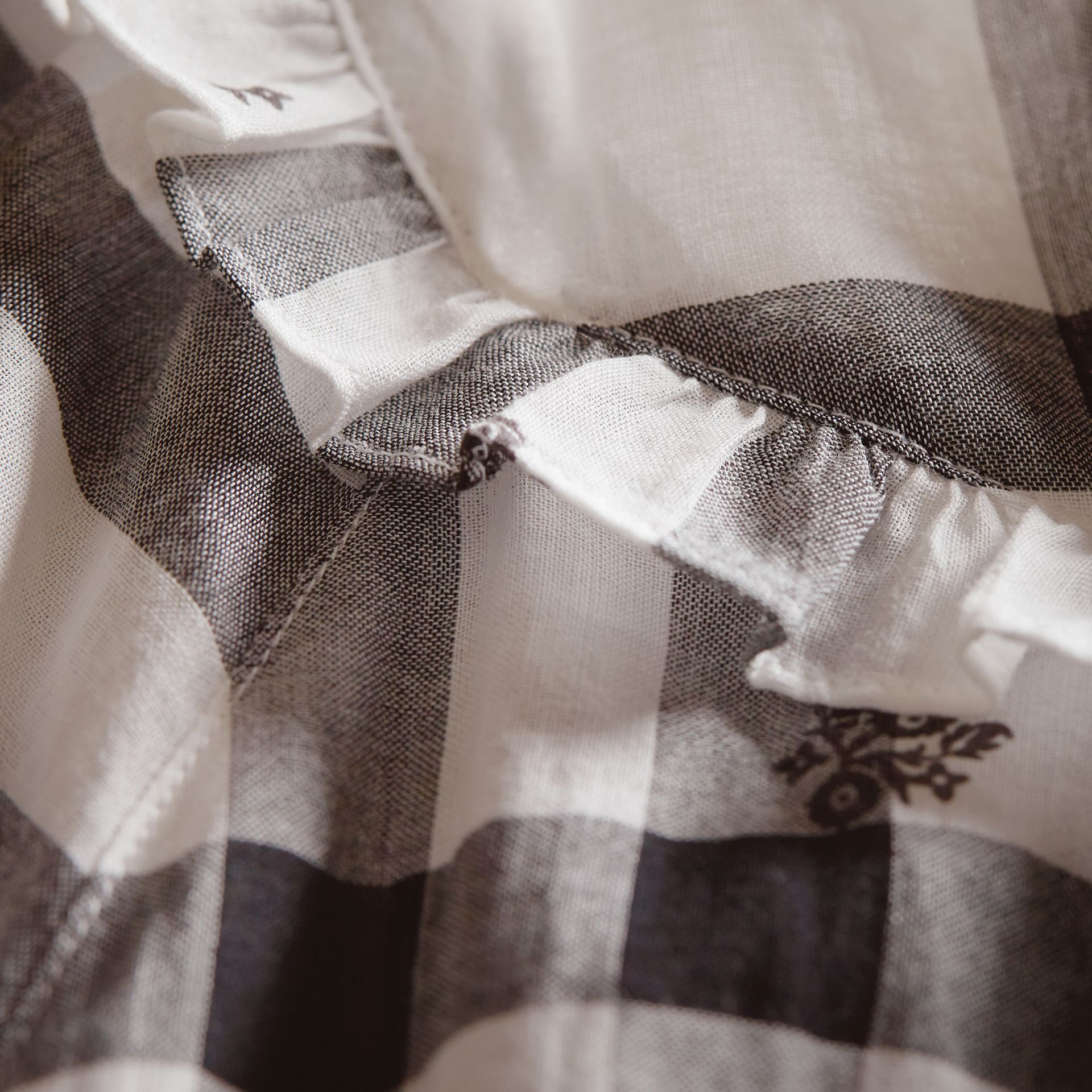 Ruffle Detail Floral Print Check Cotton Dress in White - Women | Burberry Singapore - gallery image 2