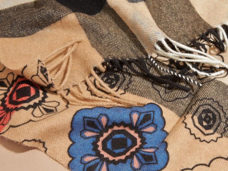 Двусторонний шарф с комбинированным принтом - cell image 4