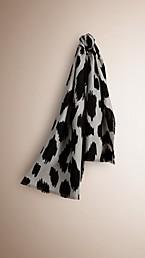 Écharpe en fil coupé de cachemire, laine et soie avec imprimé fauve