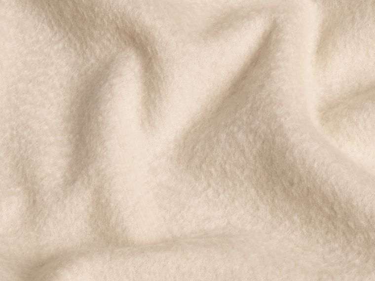 Natural white The Classic Cashmere Scarf Natural White - cell image 4