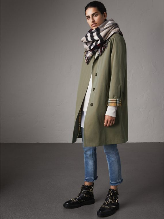 The Camden – Mid-length Car Coat in Chalk Green - Women | Burberry Australia