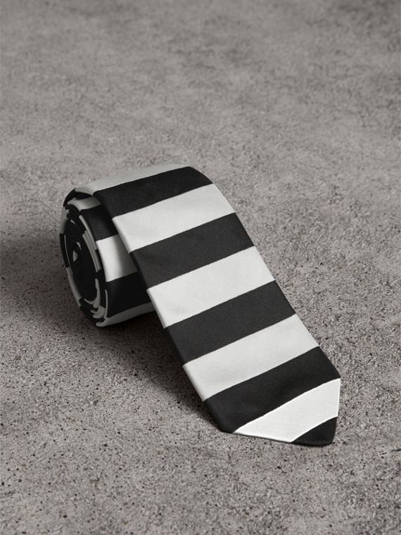 Slim Cut Striped Silk Twill Tie in Black