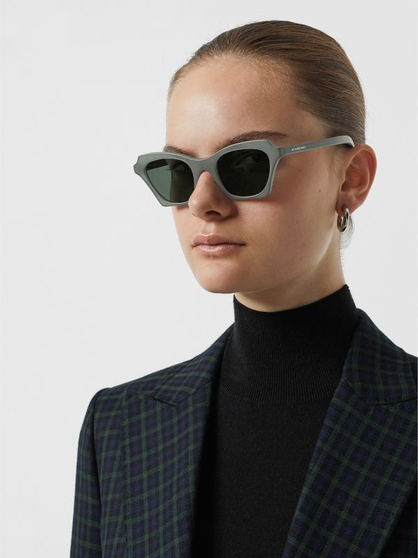 Butterfly Frame Sunglasses in Green - Women | Burberry United States - cell image 2