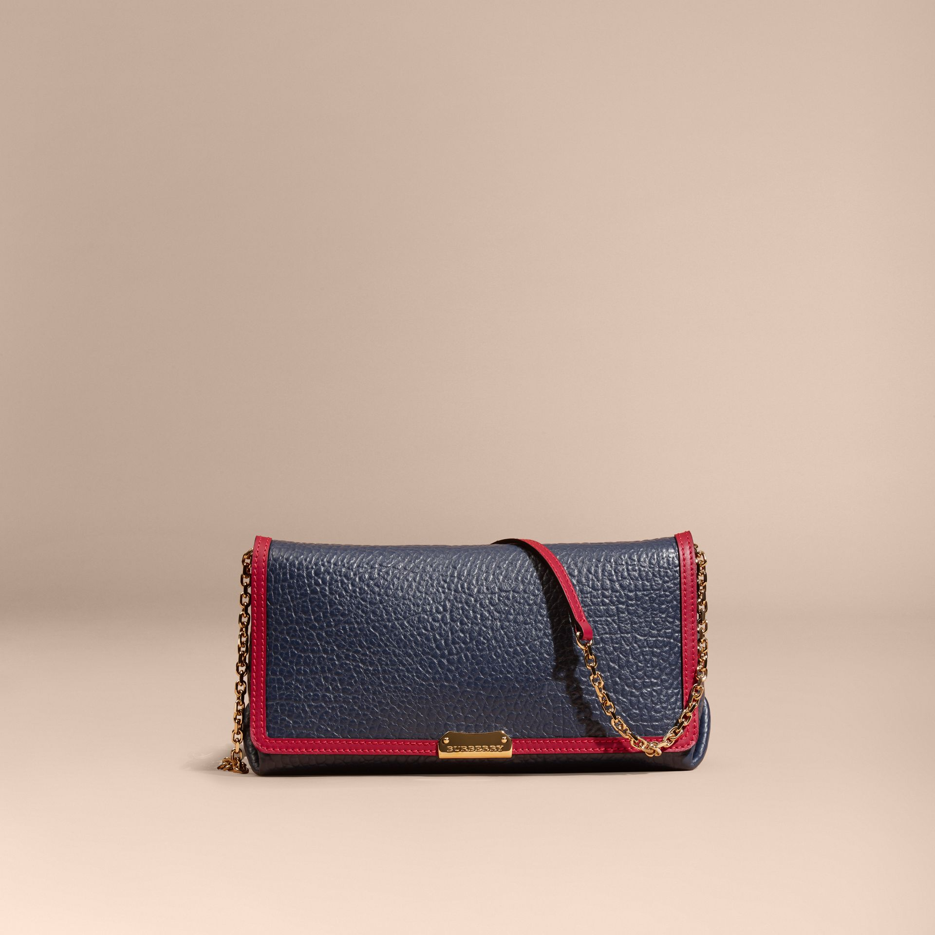 Blue carbon/parade red Medium Contrast Border Signature Grain Leather Clutch Bag - gallery image 7