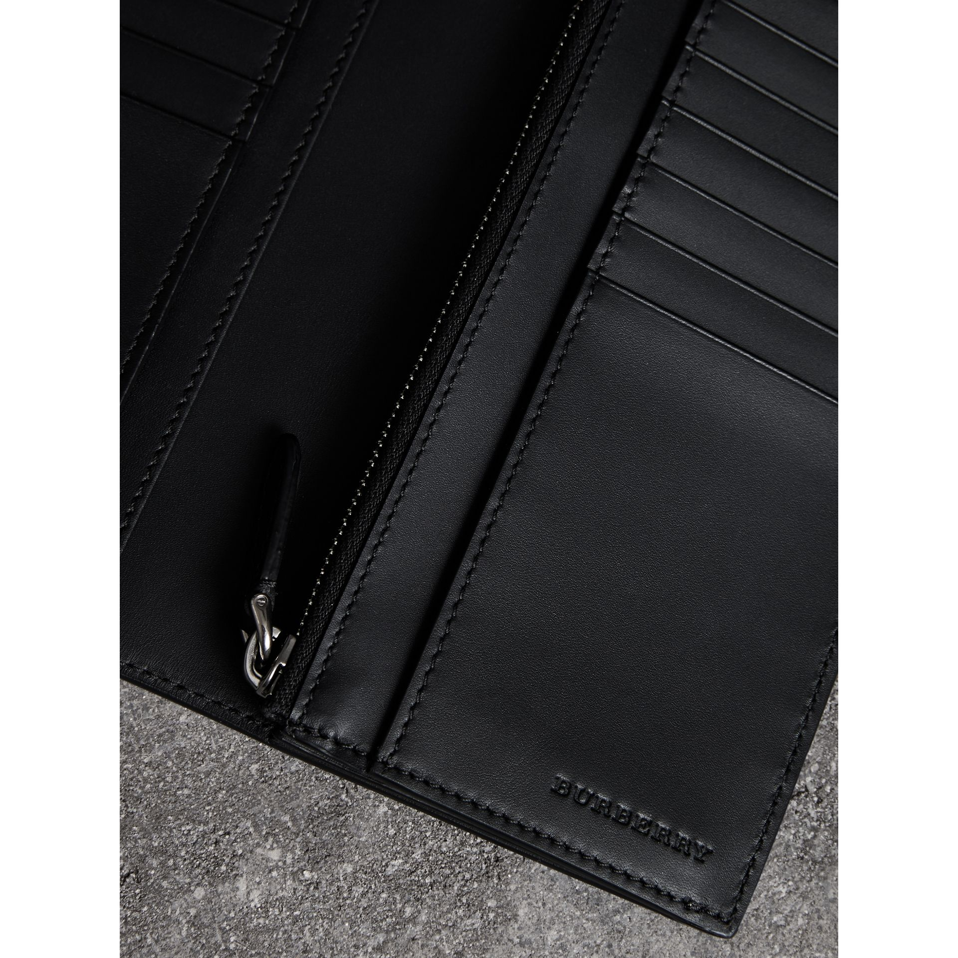 Grainy Leather Continental Wallet in Black - Men | Burberry - gallery image 3