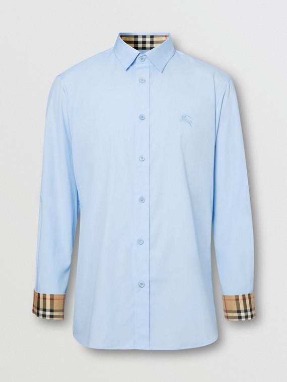 Camicia Oxford in cotone con il marchio del cavaliere equestre ricamato (Azzurro Cielo)