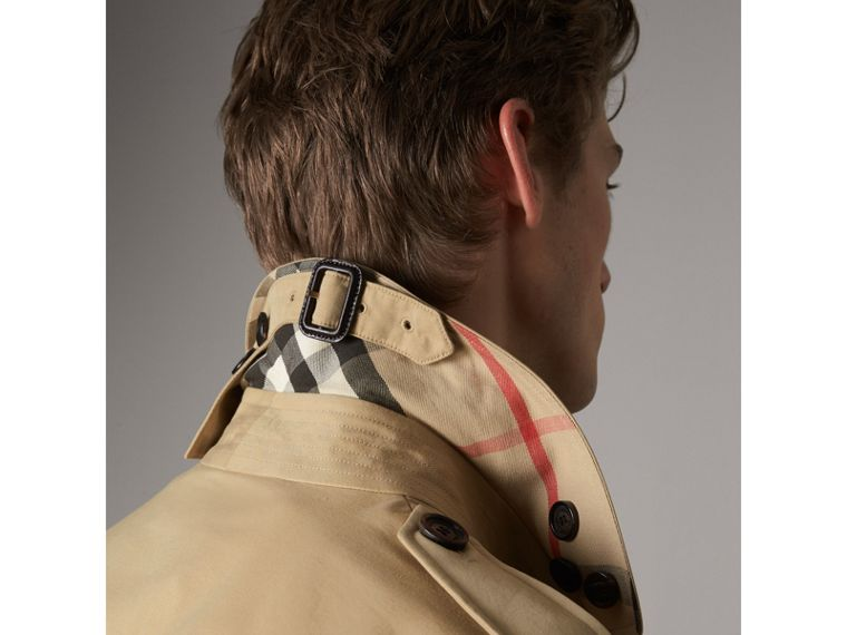 The Kensington – Mid-Length Heritage Trench Coat in Honey - Men | Burberry Hong Kong - cell image 4