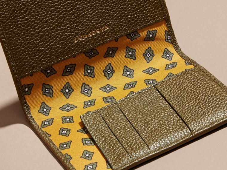 Olive Grainy Leather Passport and Card Holder Olive - cell image 4
