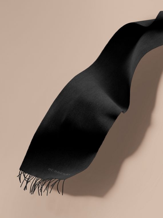 The Classic Cashmere Scarf in Black