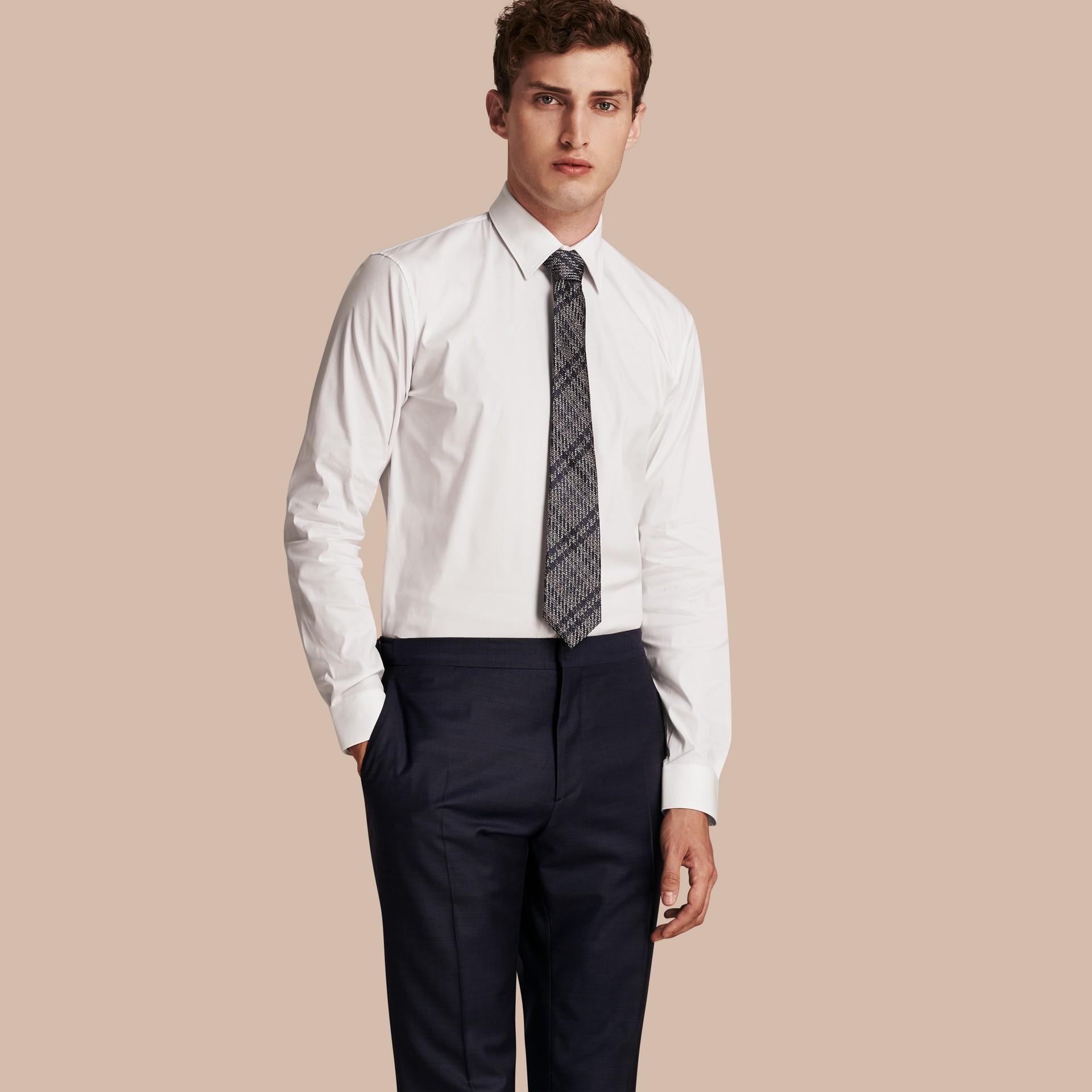 Bianco Camicia moderna in cotone stretch Bianco - immagine della galleria 1