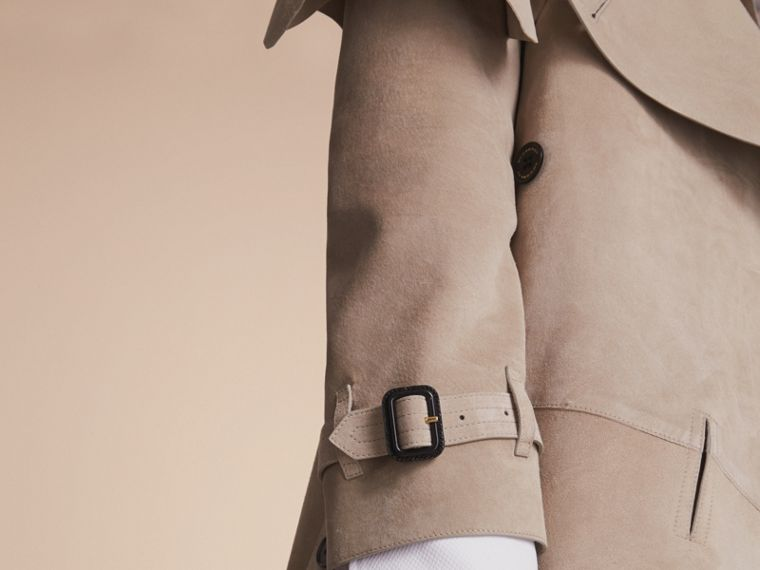 Trench coat asimmetrico in pelle scamosciata - Donna | Burberry - cell image 4