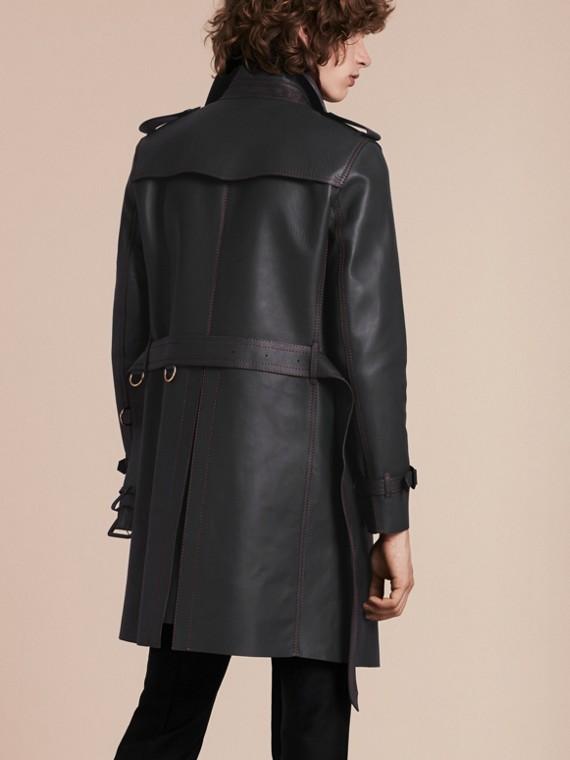 Navy scuro Trench coat in pelle di agnello con impunture militari - cell image 2