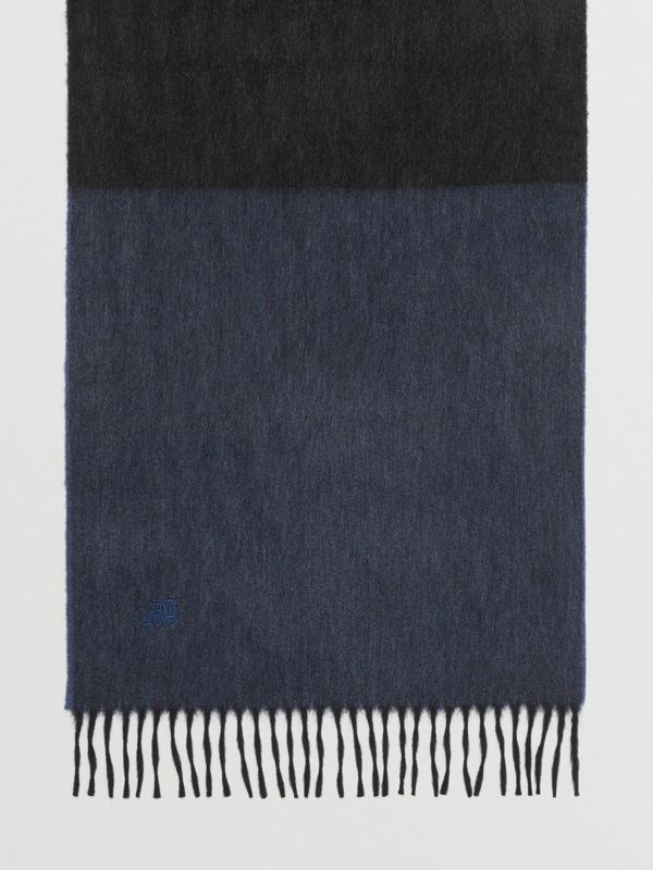 Colour Block Cashmere Scarf in Storm Blue | Burberry Singapore - cell image 3