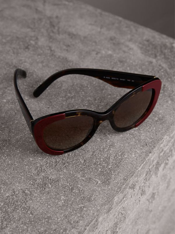 Round Frame Sunglasses in Burgundy - Women | Burberry - cell image 2