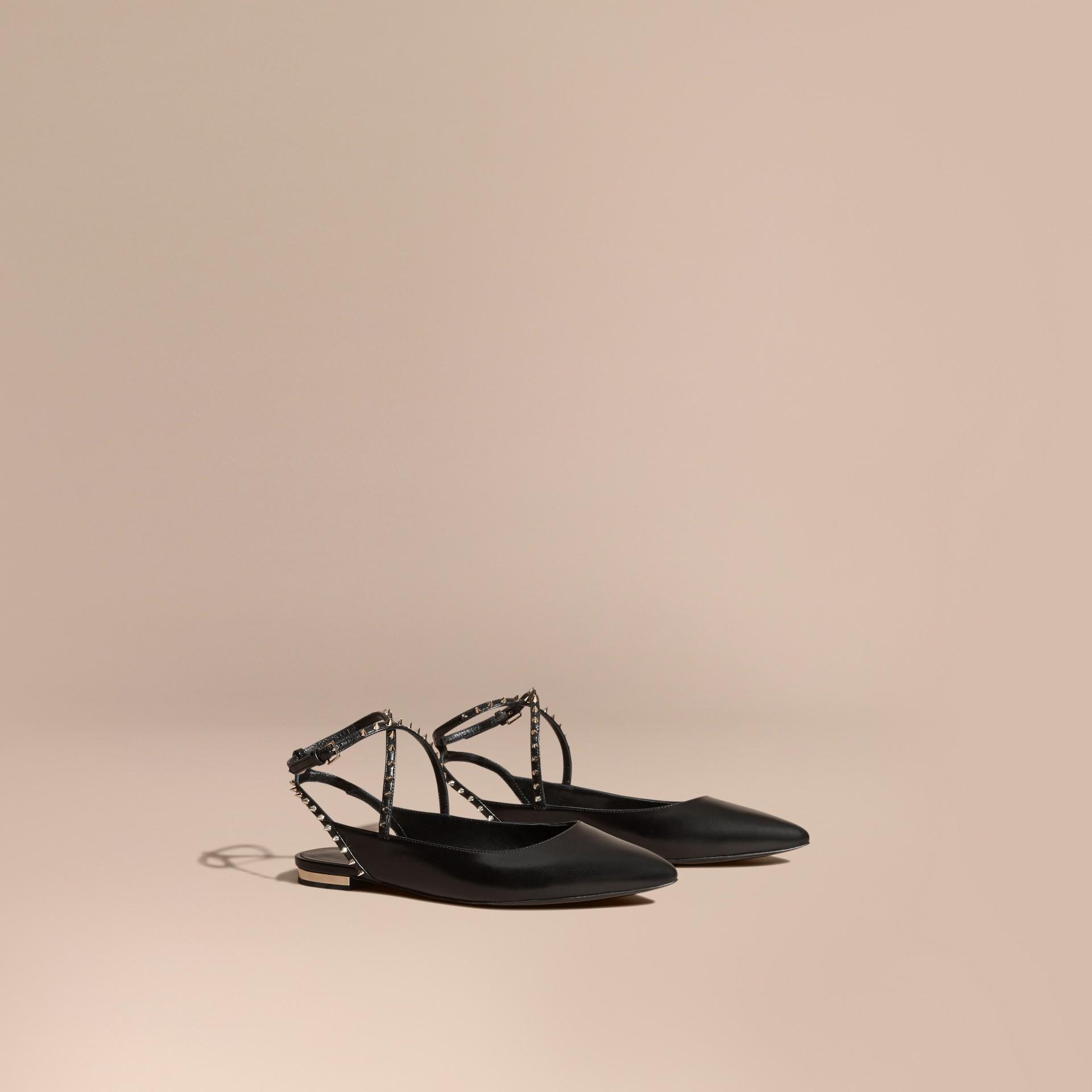 Nero Sandali tipo Chanel in pelle borchiata - immagine della galleria 1