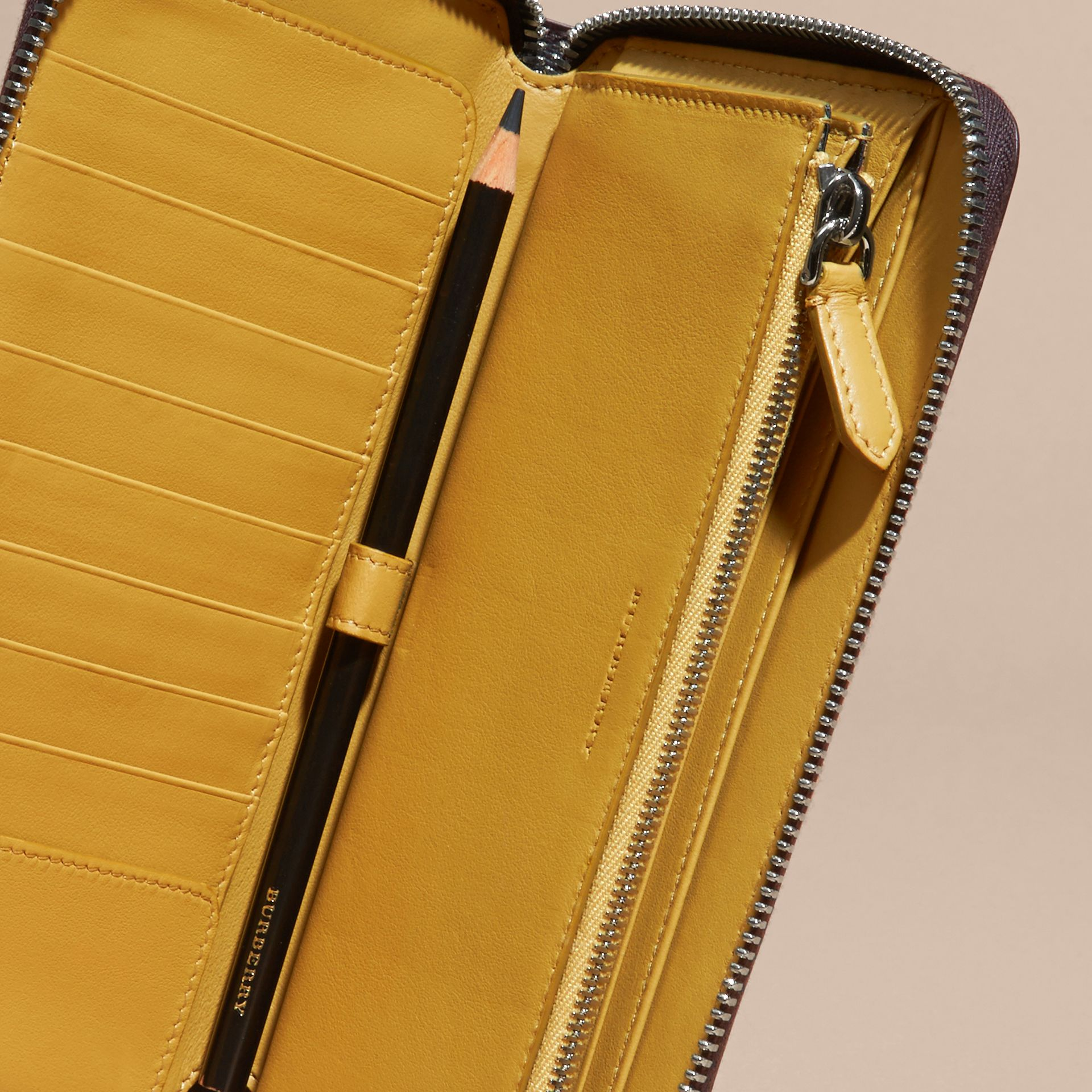 Border Detail London Leather Ziparound Wallet Peppercorn - gallery image 5