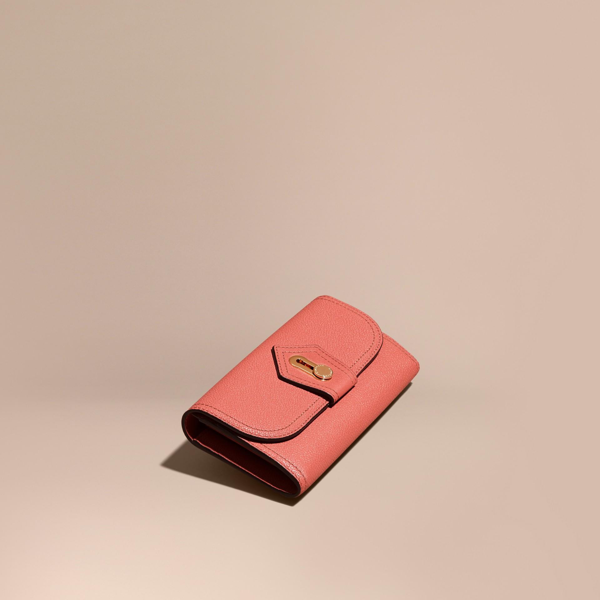 Rose cuivre Portefeuille continental en cuir texturé Rose Cuivre - photo de la galerie 1