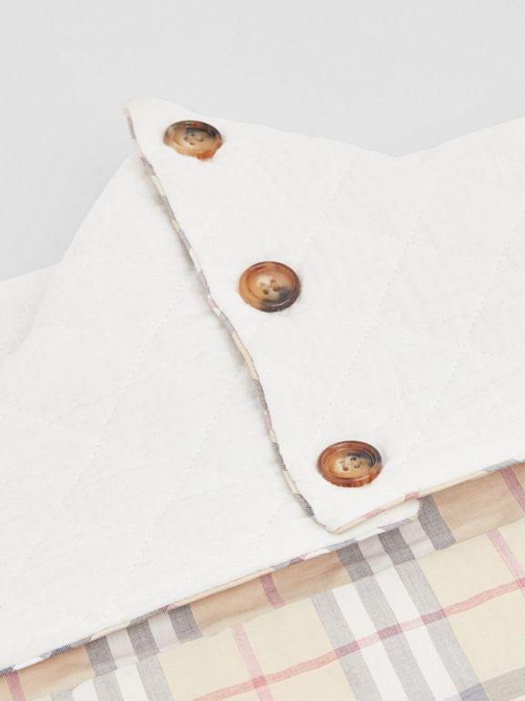 Vintage Check Cotton Baby Nest in White - Children | Burberry Singapore - cell image 1