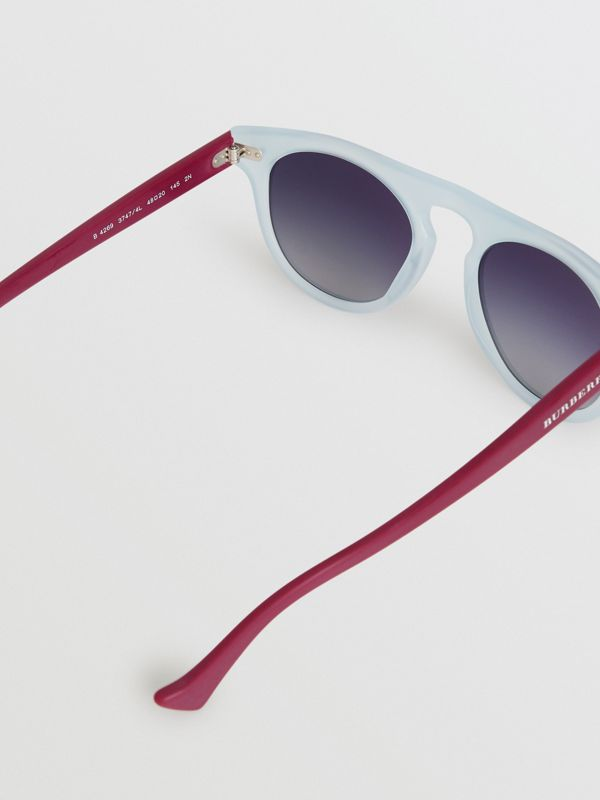 The Keyhole Round Frame Sunglasses in Light Blue | Burberry Australia - cell image 3