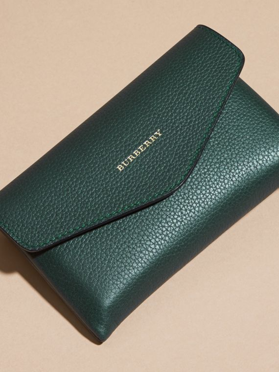 Wooden Domino Set with Grainy Leather Case in Dark Forest Green | Burberry - cell image 2