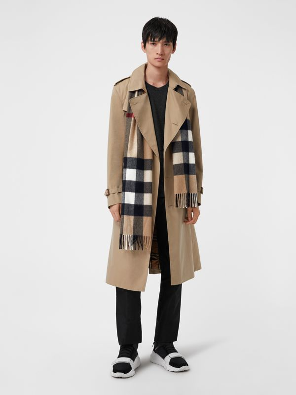 The Large Classic Cashmere Scarf in Check in Camel | Burberry Australia - cell image 3