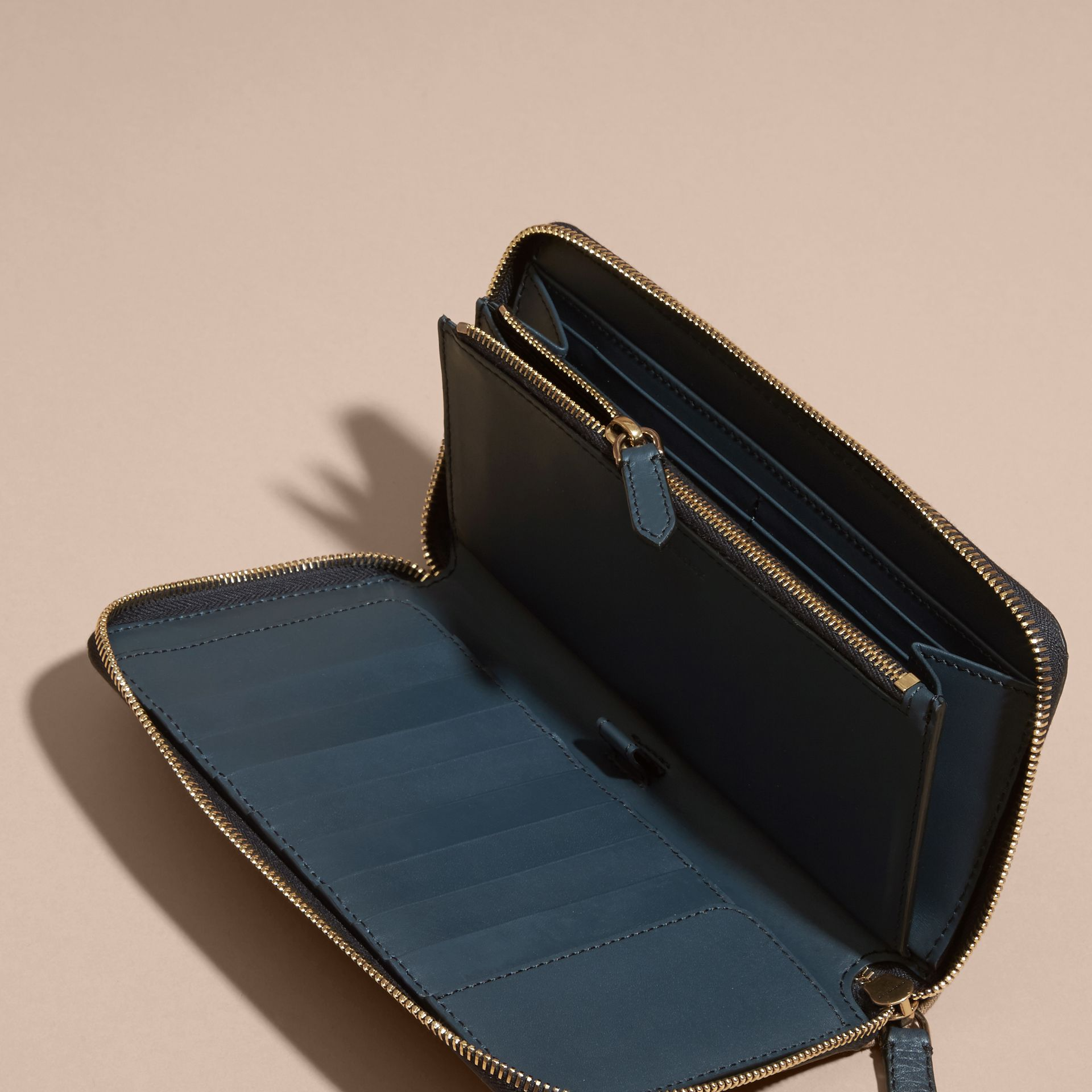 House Check and Grainy Leather Ziparound Wallet in Storm Blue | Burberry Canada - gallery image 5