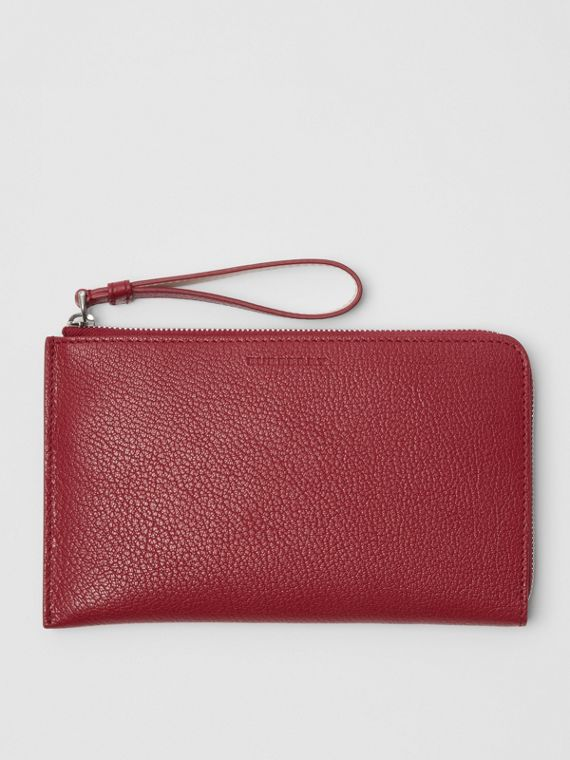 Two-tone Grainy Leather Travel Wallet in Crimson