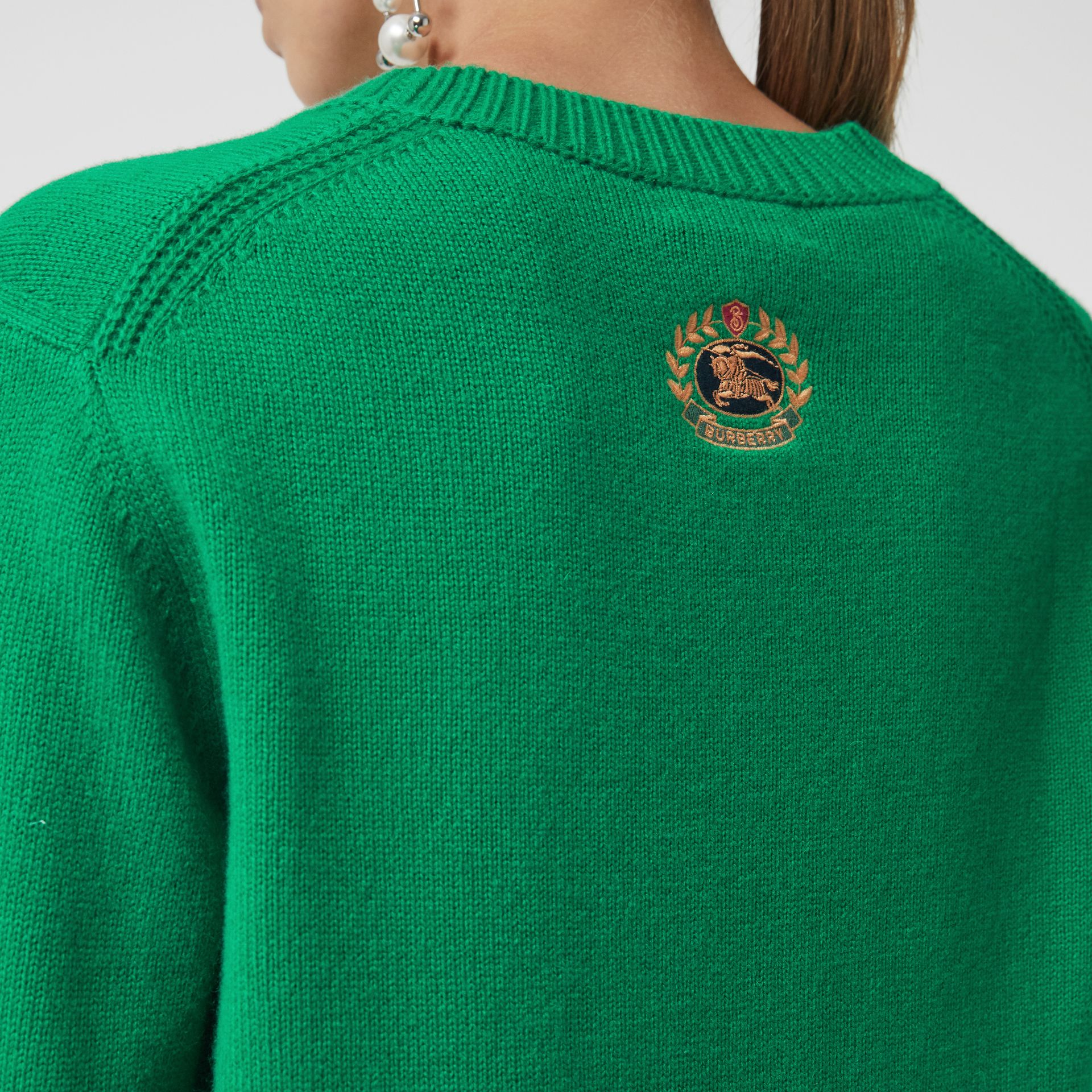 Archive Logo Appliqué Cashmere Sweater in Vibrant Green - Women | Burberry Canada - gallery image 1