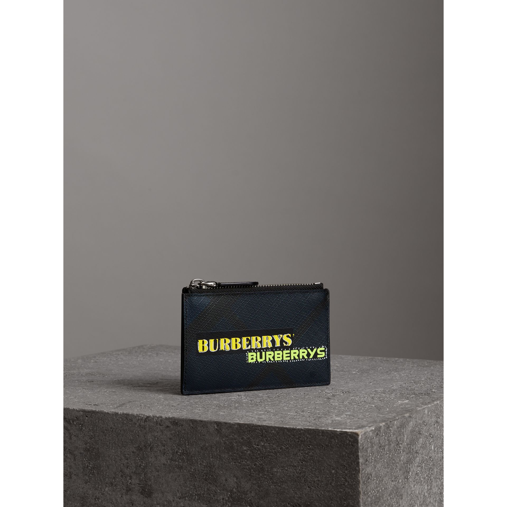 Logo Print London Check Zip Card Case in Charcoal | Burberry - gallery image 4