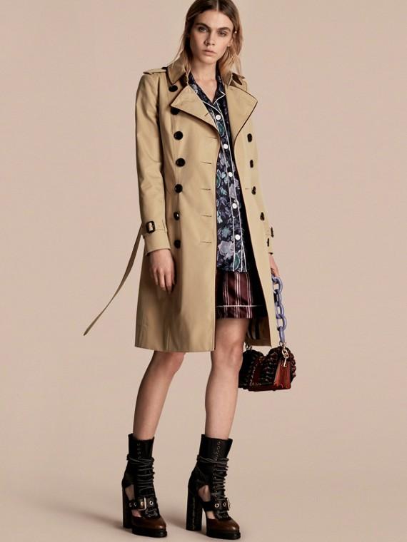 Trench-coat en gabardine de coton avec passepoils militaires