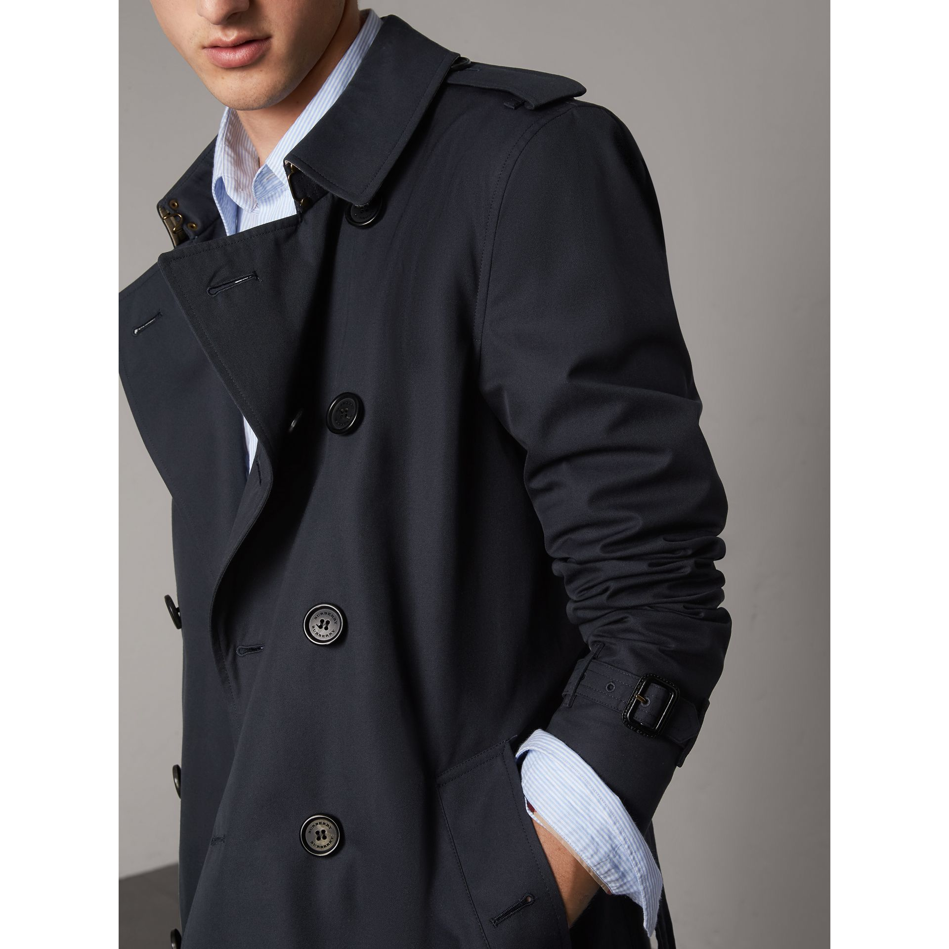 The Sandringham – Mid-length Heritage Trench Coat in Navy - Men | Burberry Canada - gallery image 7