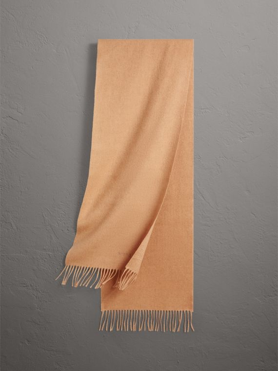 The Classic Cashmere Scarf in Camel