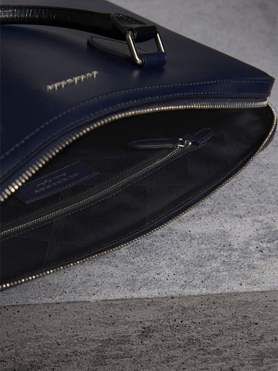 The Slim Barrow in London Leather in Dark Navy/black - cell image 3