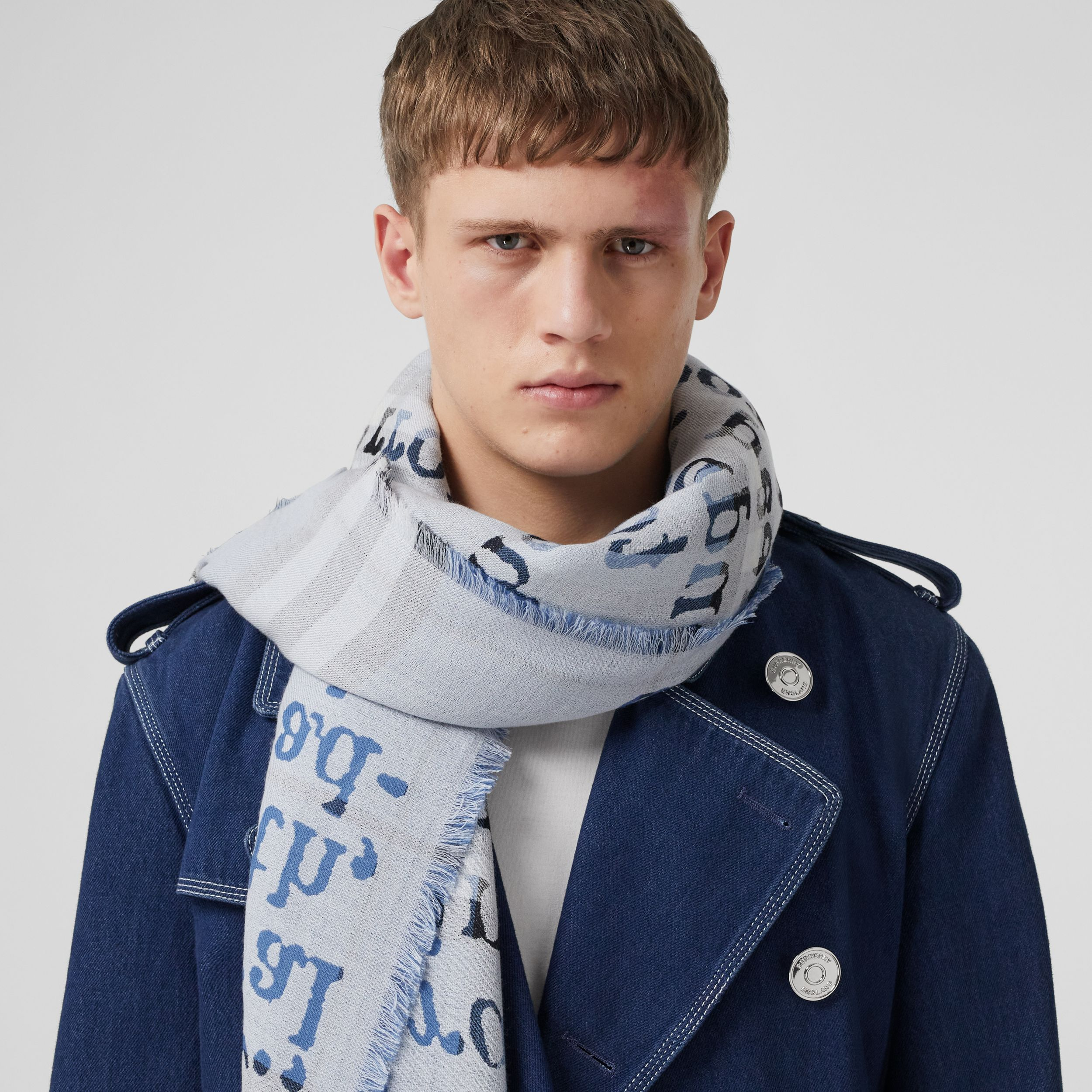 Love and Check Cashmere Jacquard Scarf in Pale Blue | Burberry - 4
