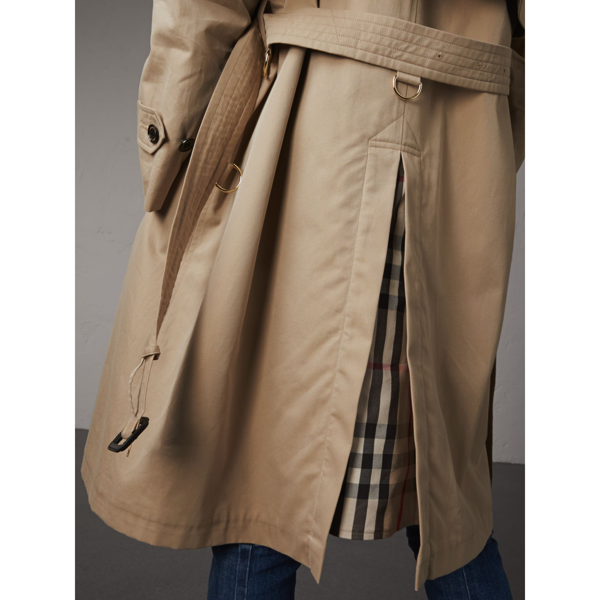Resin Button Cotton Gabardine Trench Coat in Honey - Women | Burberry Canada - gallery image 2
