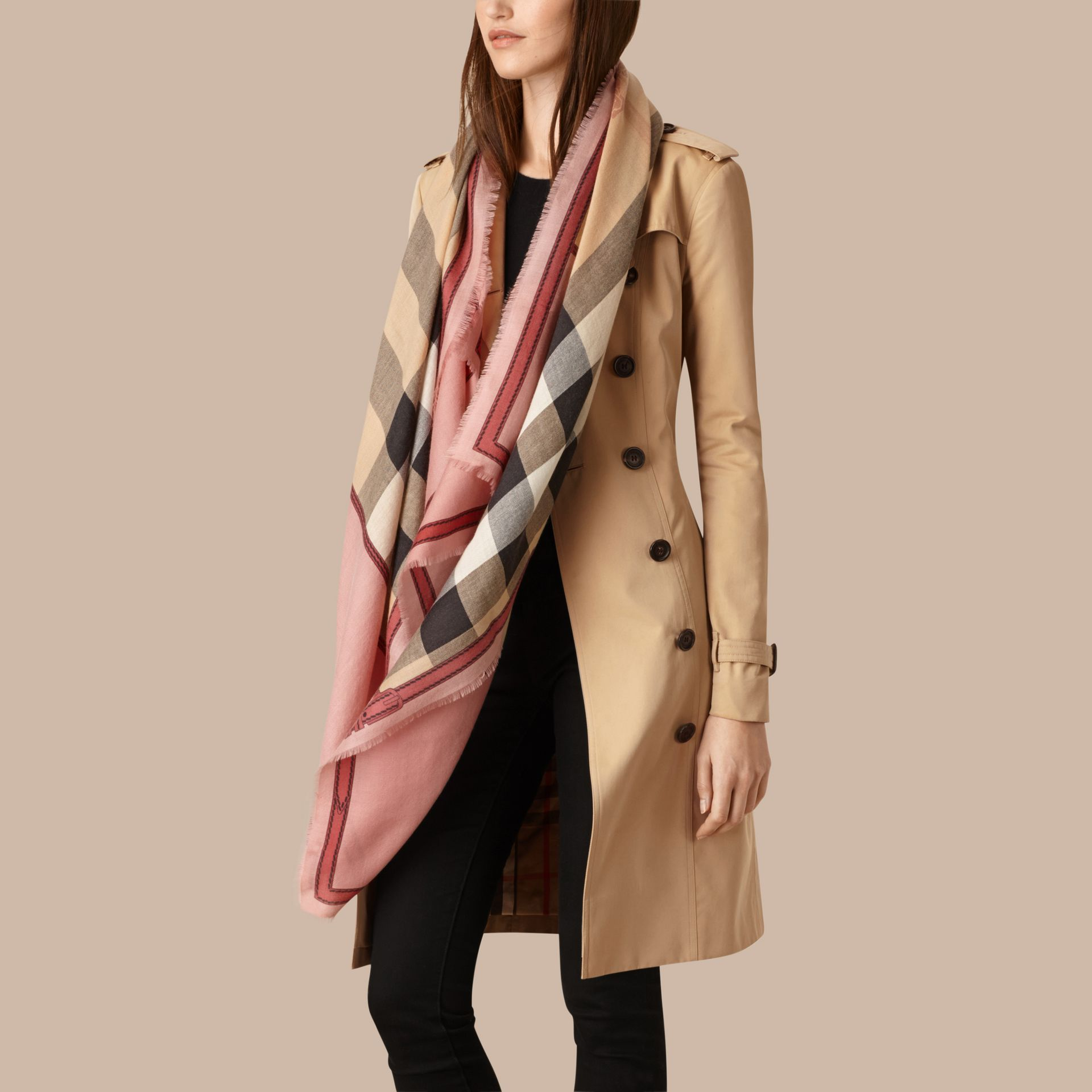 Contrast Border Horseferry Check Cashmere Scarf in Ash Rose - gallery image 3