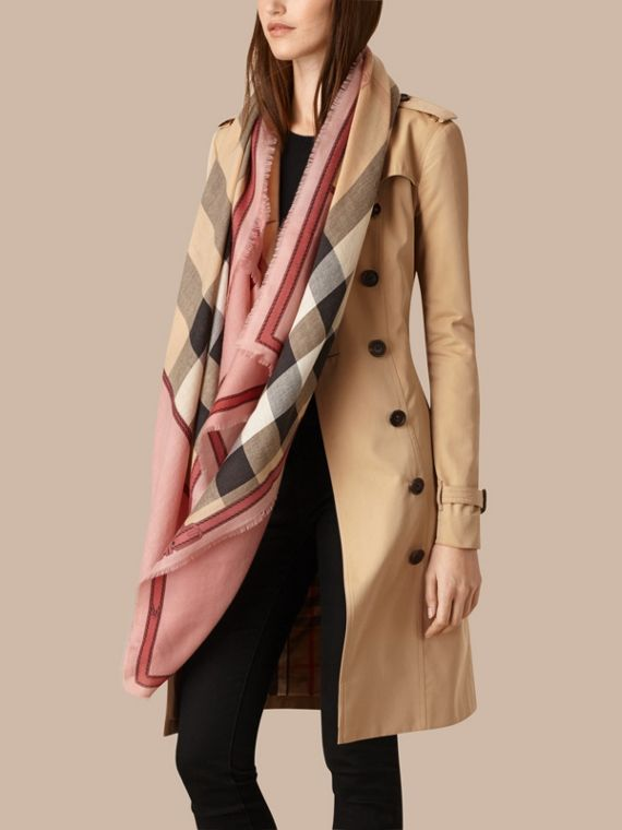 Contrast Border Horseferry Check Cashmere Scarf in Ash Rose - cell image 2