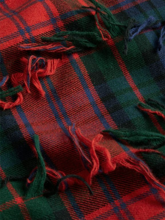 Fil Coupé Tartan Wool Cashmere Scarf in Bright Red | Burberry - cell image 1