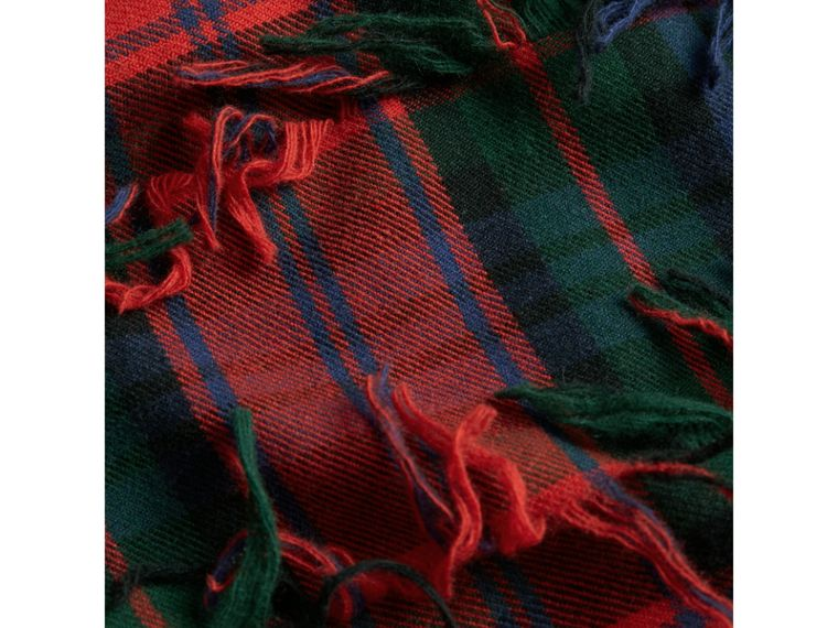 Fil Coupé Tartan Wool Cashmere Scarf in Bright Red | Burberry Australia - cell image 1