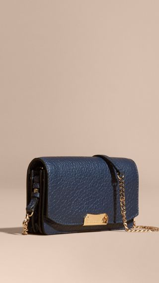 Small signature Grain Leather Clutch Bag with Chain