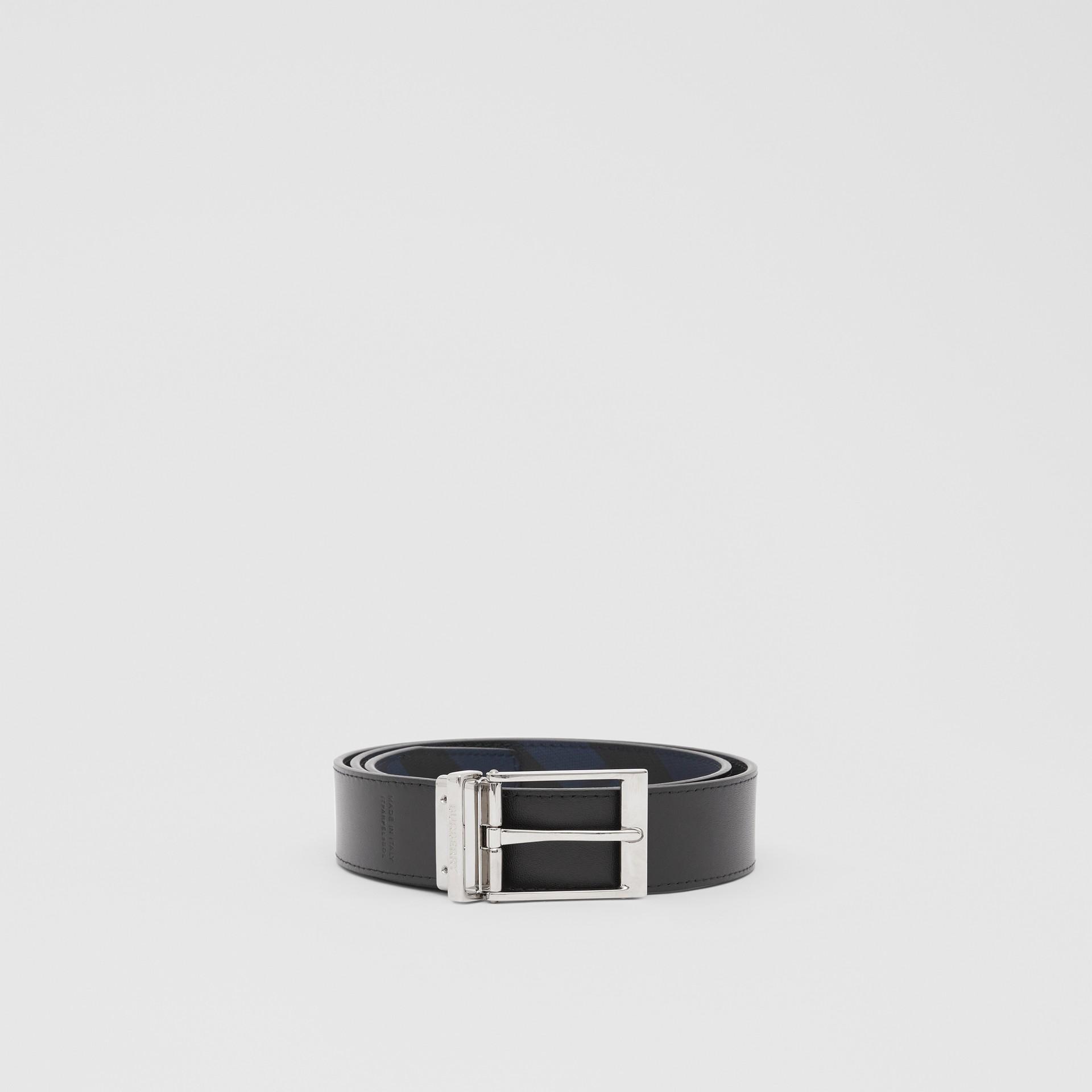 リバーシブル ロンドンチェック&レザー ベルト (ネイビー/ブラック) - メンズ | バーバリー - ギャラリーイメージ 5