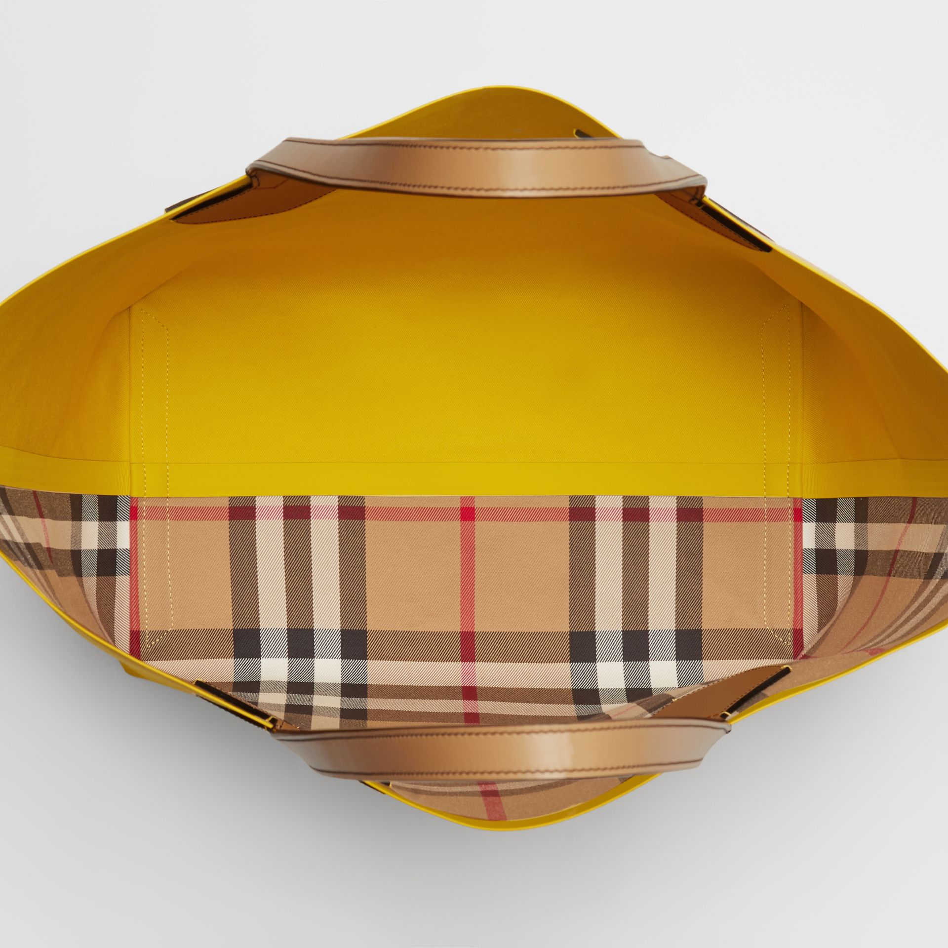 The Large Giant Tote in Colour Block Check in Antique Yellow/golden Yellow | Burberry - gallery image 4