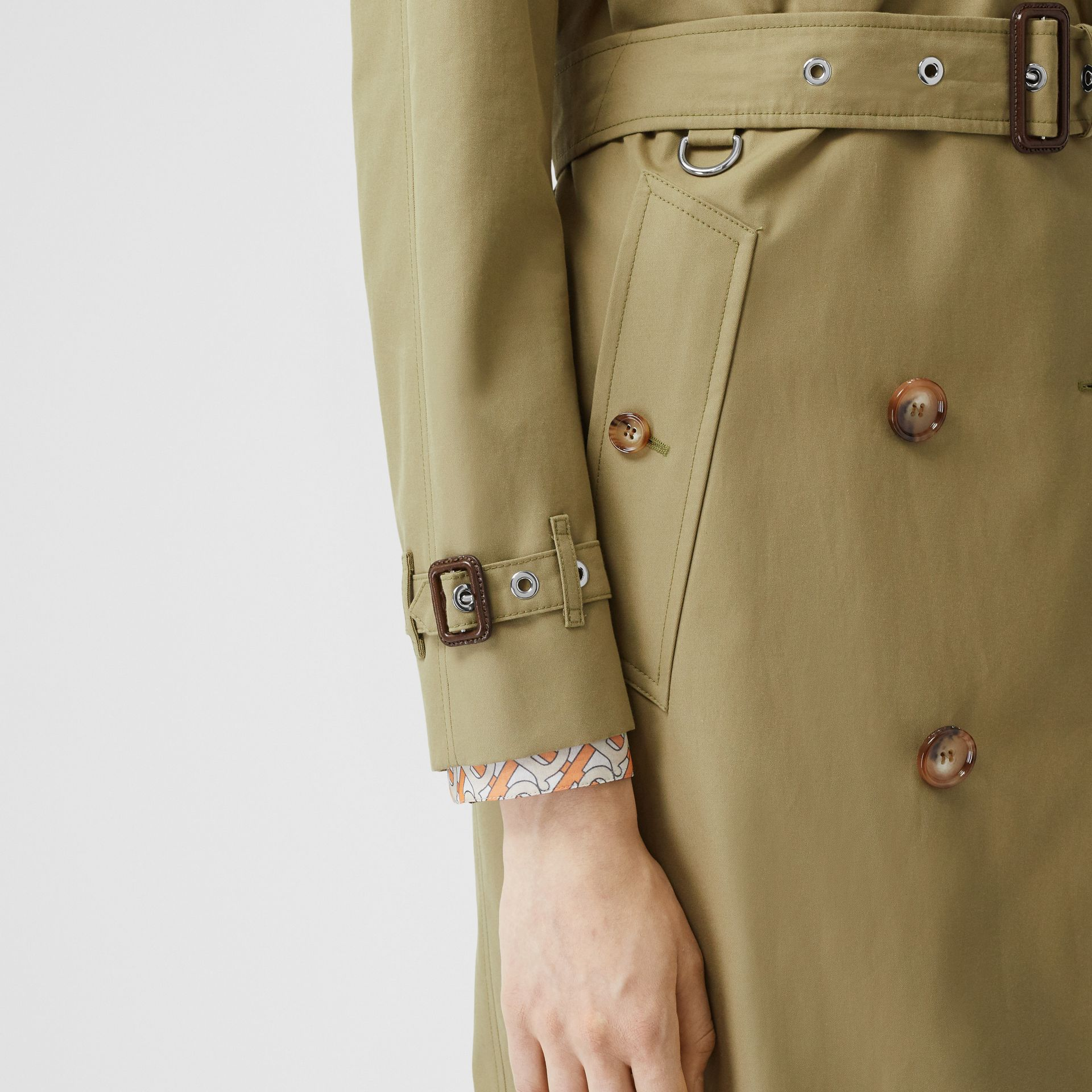 Animalia Print-lined Cotton Gabardine Trench Coat in Rich Olive - Women | Burberry Canada - gallery image 4