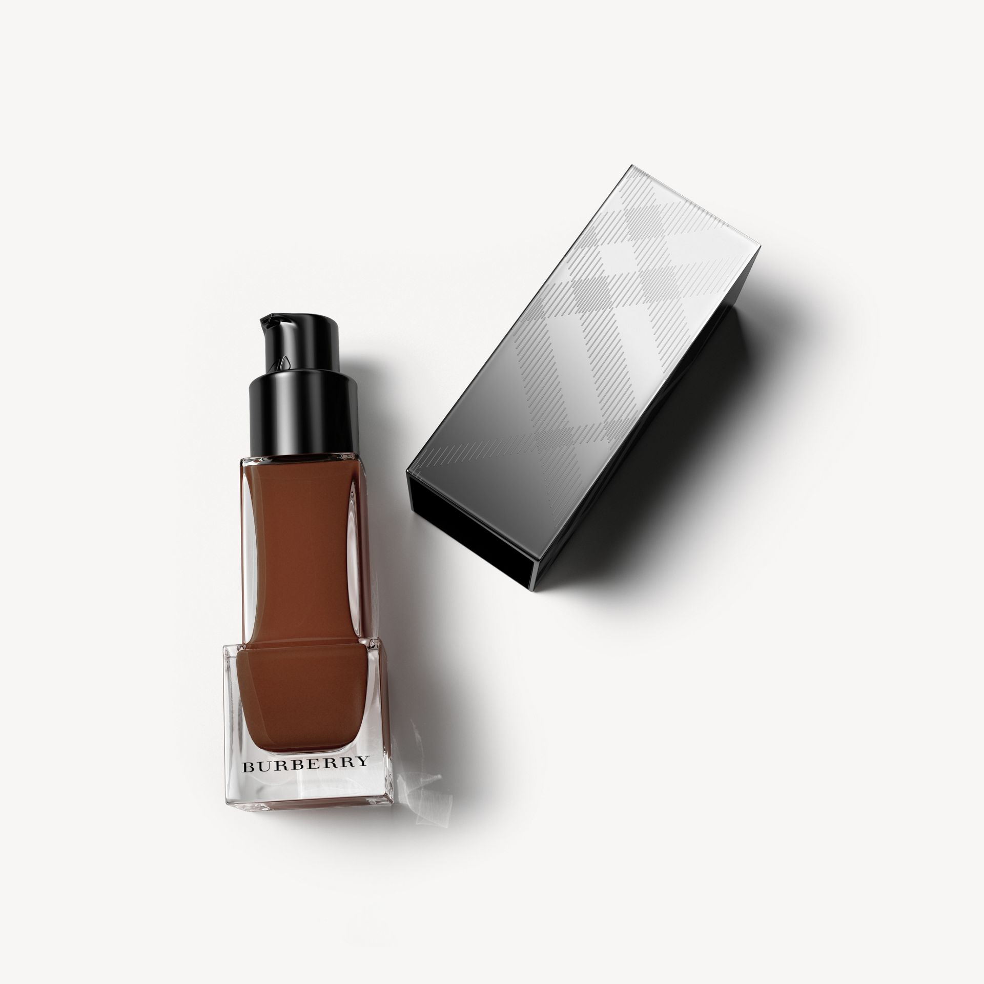 Fresh Glow Foundation Sunscreen Broad Spectrum SPF 12 – Deep Brown No.66 - Women | Burberry - gallery image 0