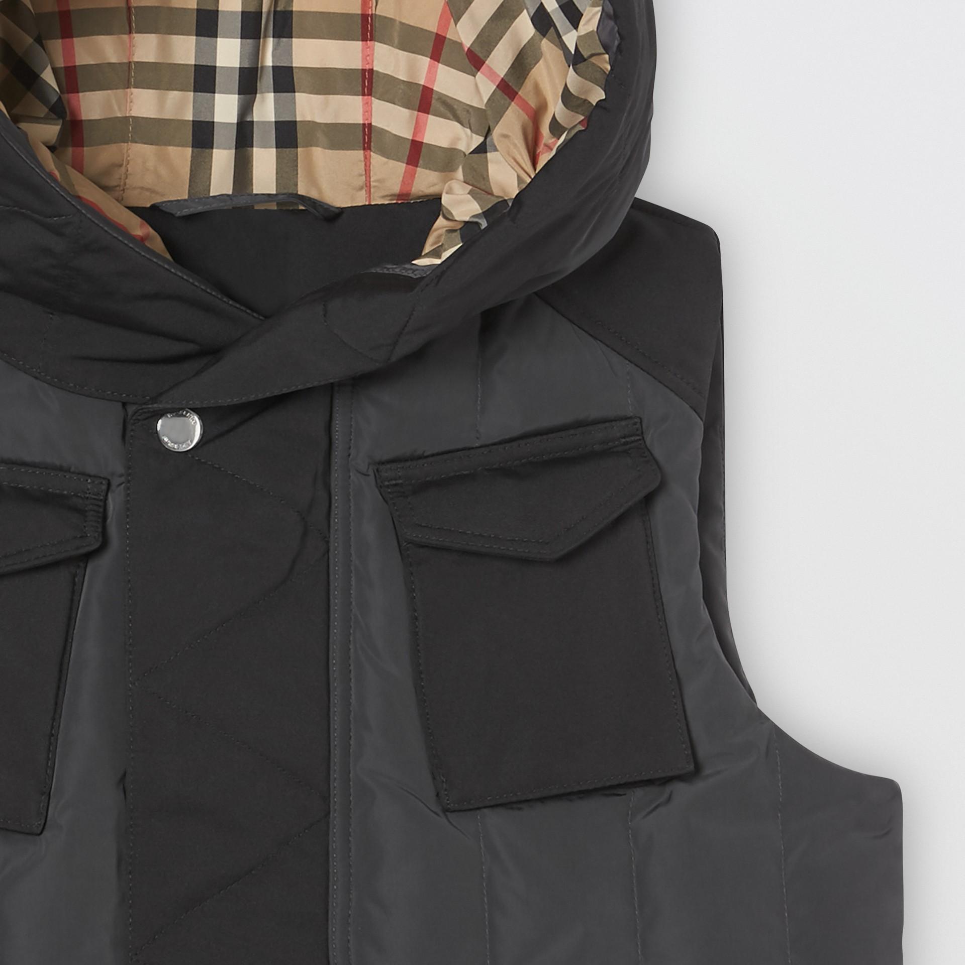 Дутый жилет с капюшоном (Темный Древесный Уголь) | Burberry - изображение 3